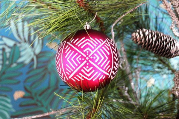 Pink-Ornament